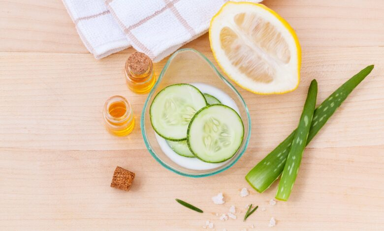 Castravete, aloe vera, miere pentru masca ten gras